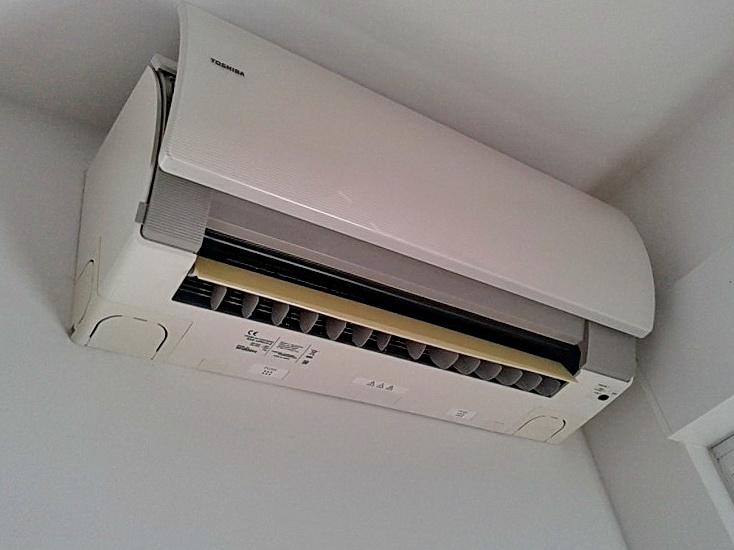 montaža-ugradnja-servis-klima-uređaja-TOSHIBA-inverter-Rijeka-akcija-povoljno-prodaja-krk-otoci-istra