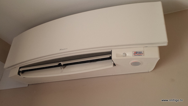 zidna-ugradnja-daikin-emura-ftxg-35-lw-bijela-dizajn-r-410-rijeka-r-m-frigo-wi-fi-cijena-prodaja-akcija